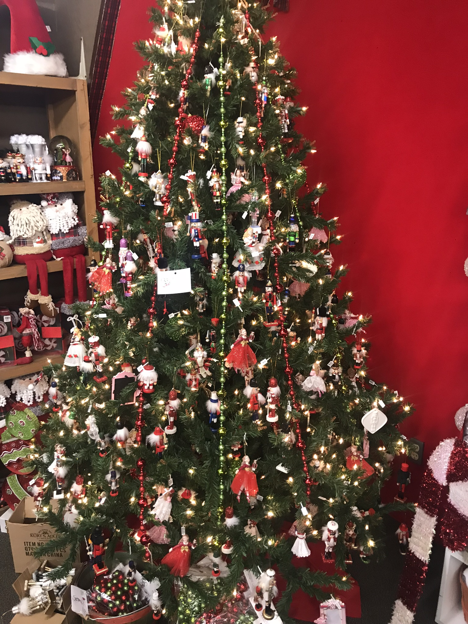 A Visit To The Christmas Mouse Store